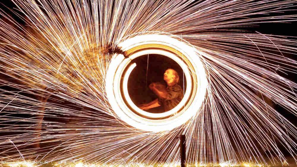 Die Verzauberer   Feuershow Silberhochzeit Künstler Geschenk