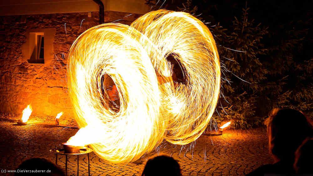 Die Verzauberer Feuershow Goldene Hochzeit Geschenk Show
